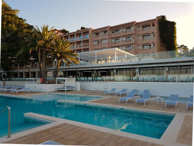 Outdoor swimming pool hotel na taconera font de sa cala, mallorca